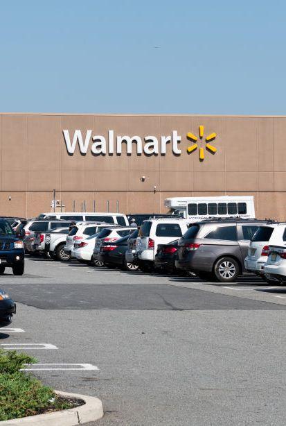 Walmart stores open on thanksgiving2018