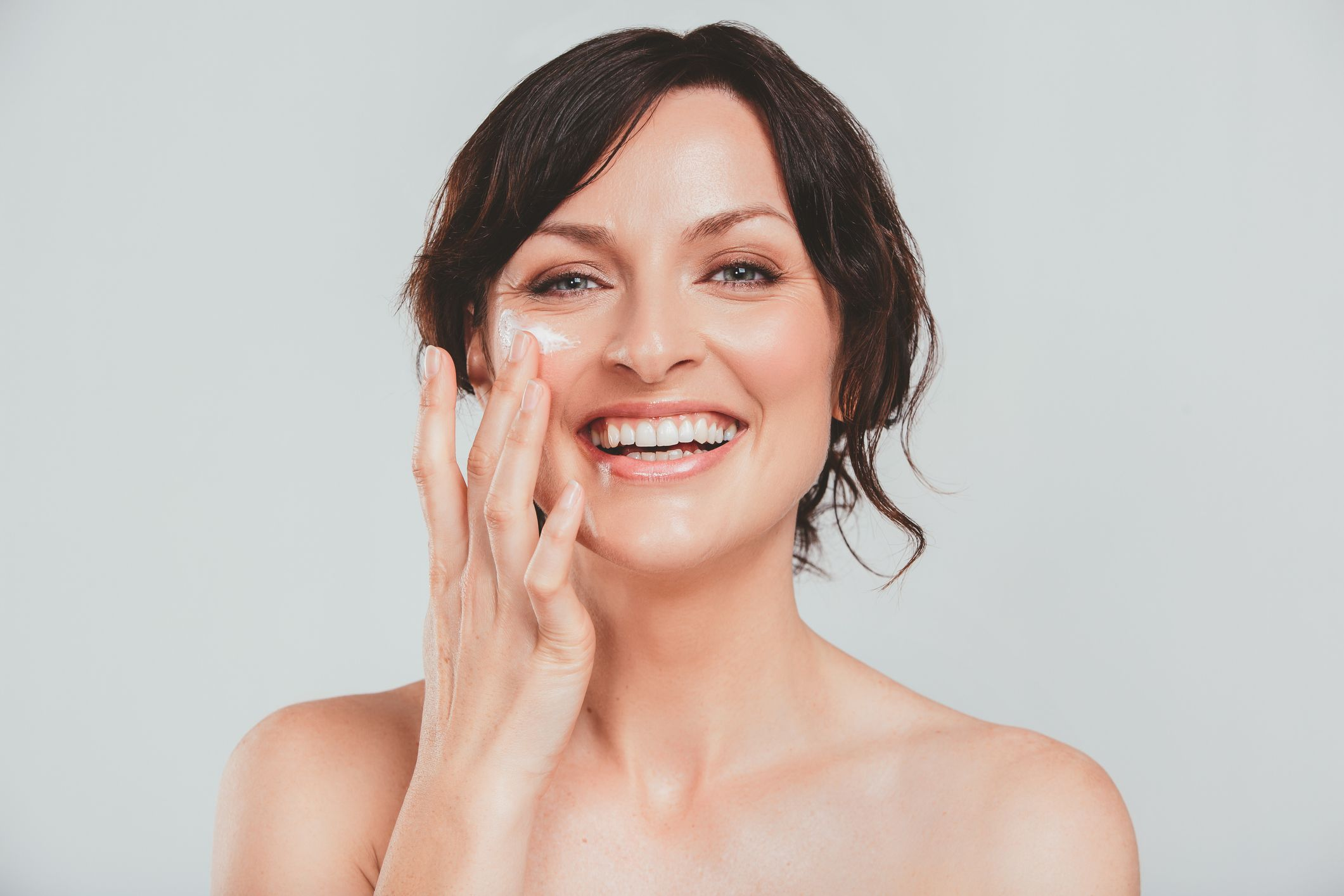 Fine Lines How To Prevent And Reduce Fine Lines And Wrinkles