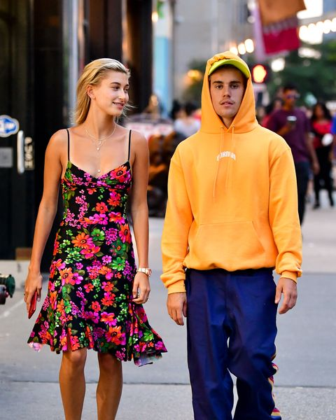 Justin Bieber Spotted Wearing Hoodie On 90 Degree Nyc Day With Hailey Baldwin