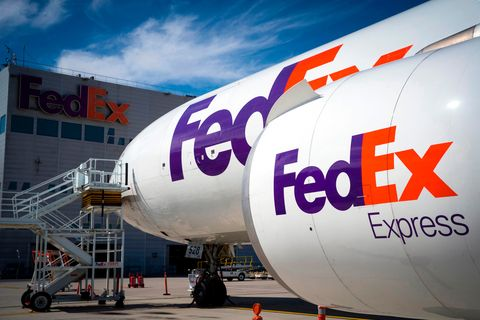 f7871b9fc8dcd FedEx Holiday Shipping  How FedEx Moves So Many Christmas Packages