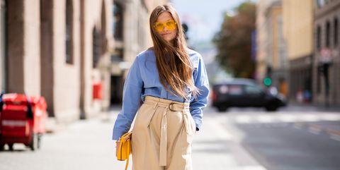 Colori Moda 2019 Come Abbinare I Pantaloni Beige