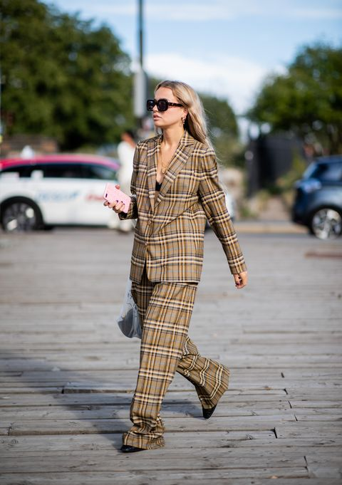 Plaid, Street fashion, Clothing, Photograph, Tartan, Fashion, Pattern, Eyewear, Footwear, Brown,
