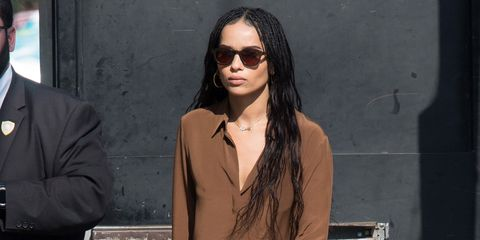 Marron Chocolate Tendencia Zoe Kravitz Y Su Clase Magistral Sobre - Combinar-el-marron