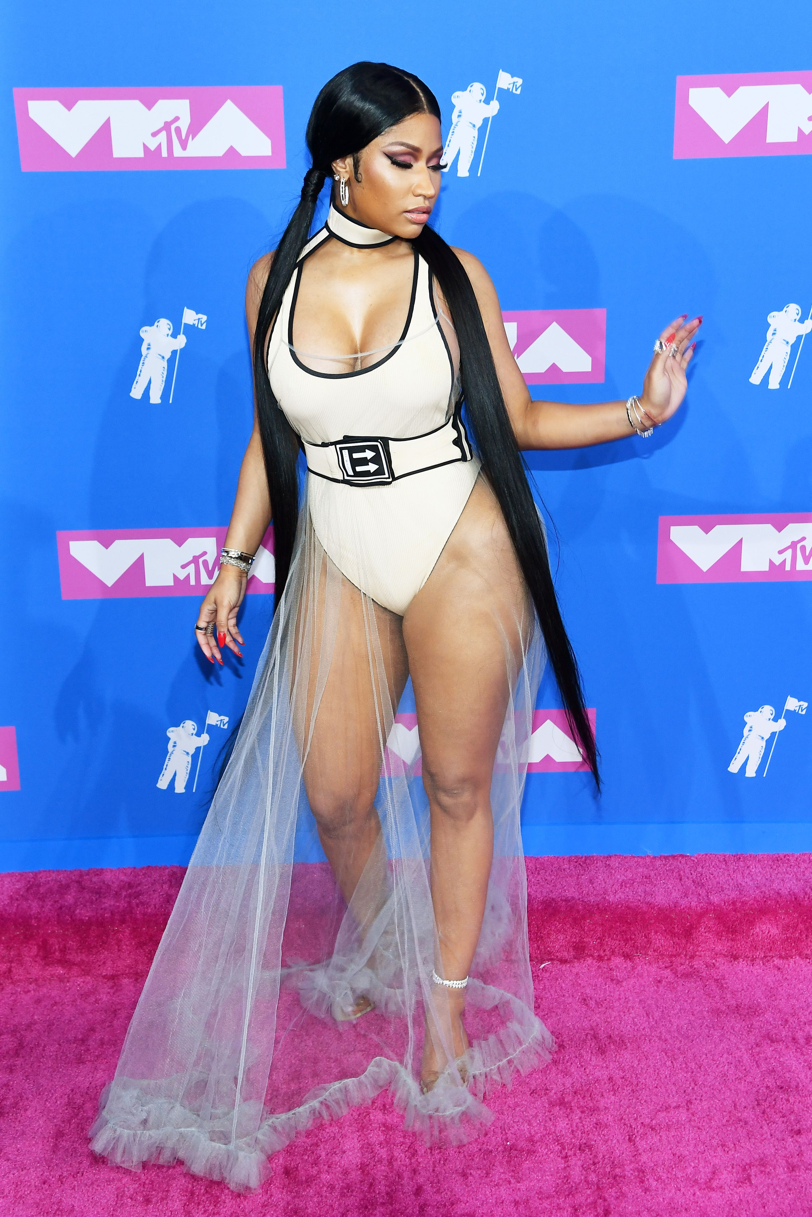 All Vmas 2018 Dresses Every Mtv Video Music Award Celebrity Red