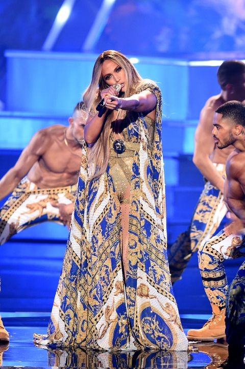 Jennifer Lopez 2018 Vmas Performance Outfits Were On Fire