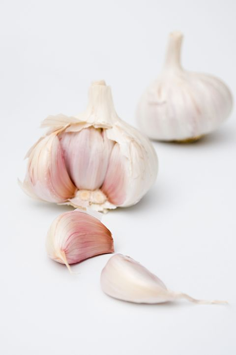 Garlic, Food, Elephant garlic, Vegetable, Shallot, Ingredient, Plant, Allium, Produce, Pearl onion,