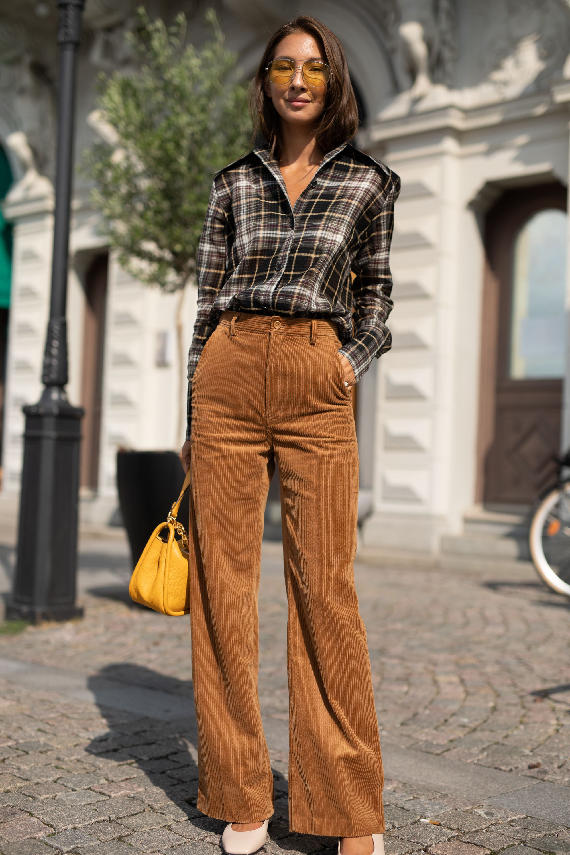 16 Flannel Shirt Outfits For Women How To Wear A Flannel Shirt