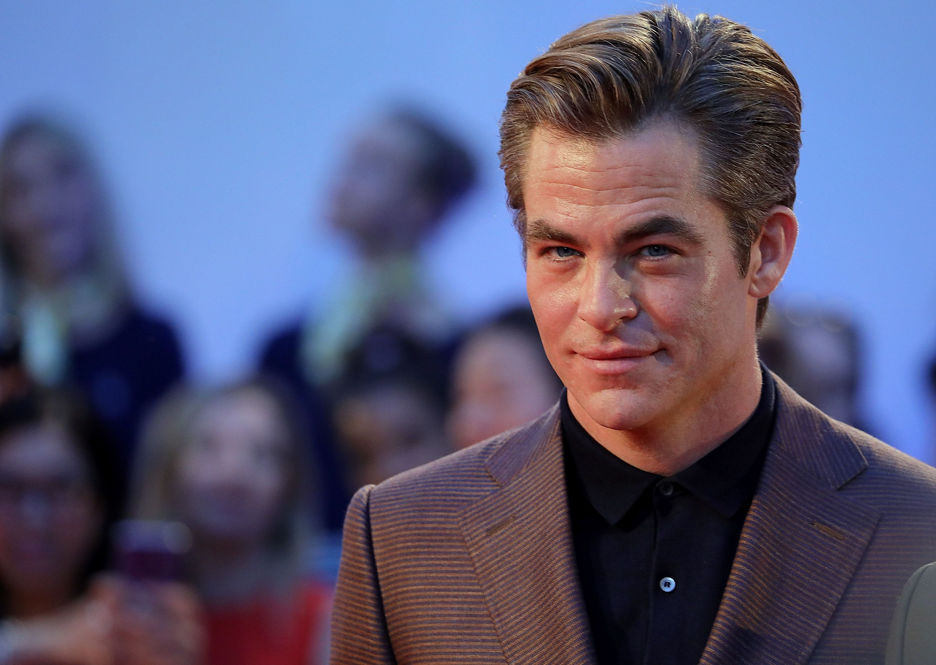 Chris pine plays gay actor