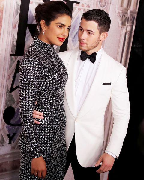 Suit, Formal wear, Fashion, Tuxedo, Event, Outerwear, Black-and-white, Fashion design, Style, Premiere,