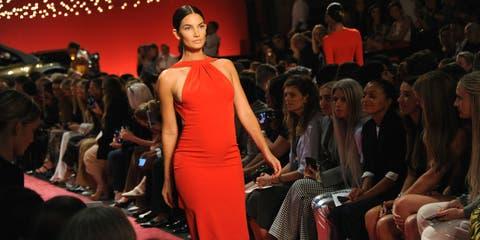 Fashion, Fashion show, Fashion model, Runway, Event, Fashion design, Model, Beauty, Public event, Dress,