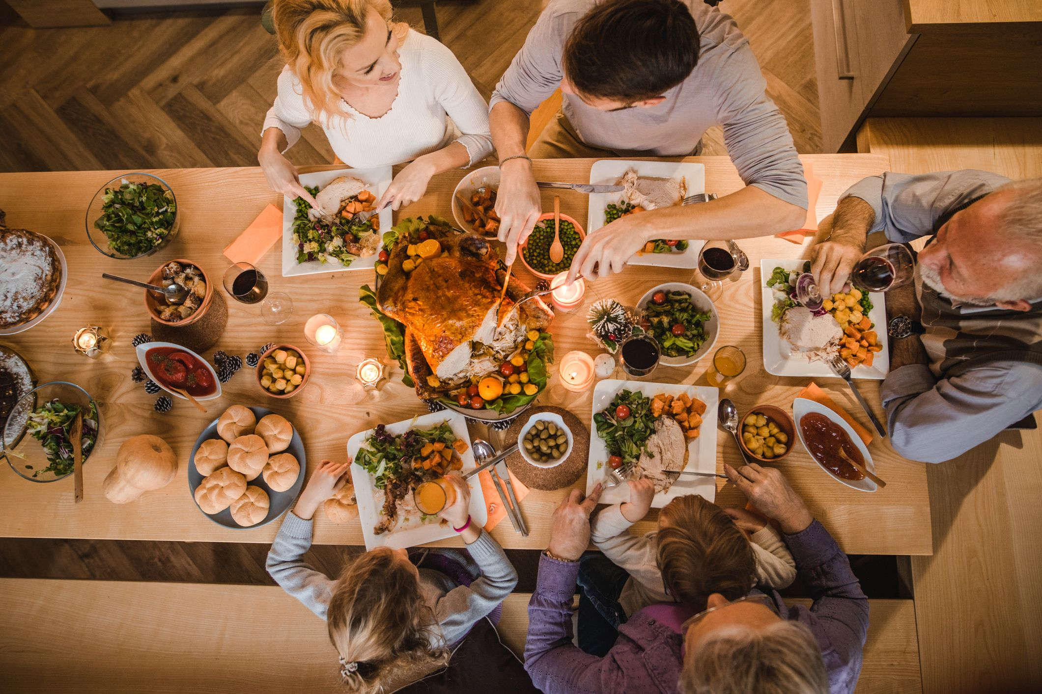 6 of the Very Best Thanksgiving Songs to Add to Your Holiday Playlist