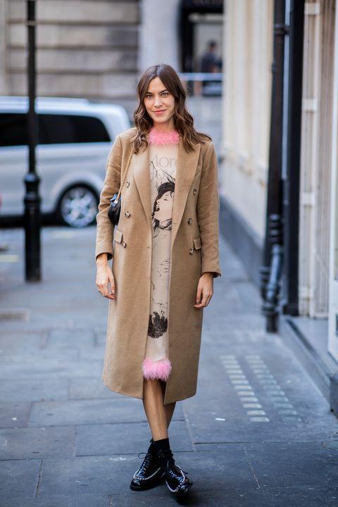 Clothing, Street fashion, Fashion, Coat, Fashion model, Outerwear, Pink, Snapshot, Trench coat, Beige,