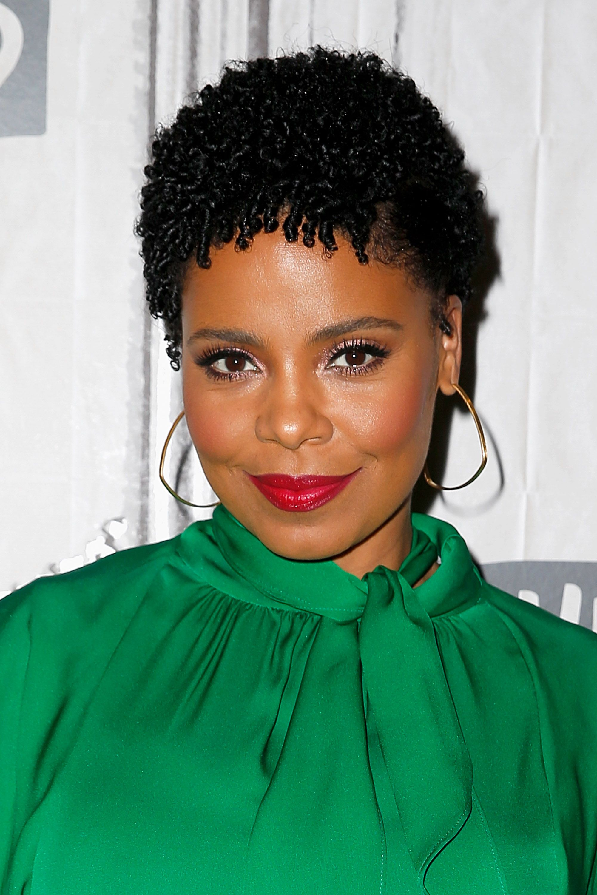 15 Natural Hairstyles for Short Hair