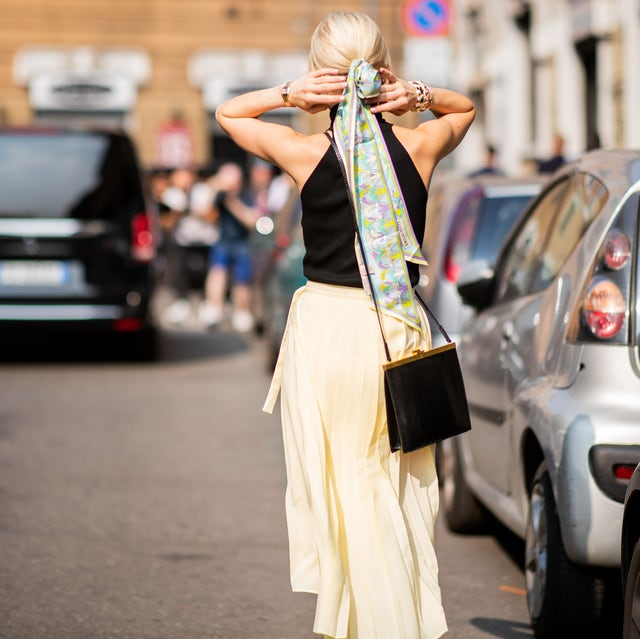 Street fashion, Fashion, Vehicle, Car, Dress, Photography, Street, Tradition, Street performance, Ceremony,