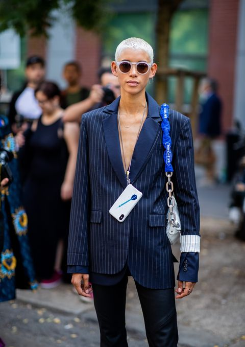 Cobalt blue, Street fashion, Fashion, Clothing, Electric blue, Eyewear, Blue, Sunglasses, Suit, Blazer,