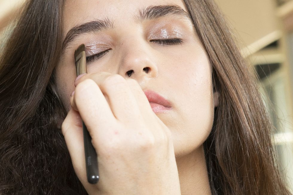 7 Must-Know Makeup Tips for People with Sensitive Skin