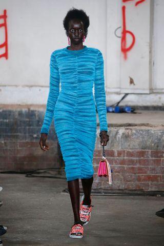 Favoriete Let maar op: dit type jurk ga je binnen zes maanden overal zien #EY11