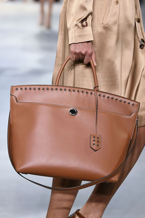 Handbag, Bag, Leather, Tan, Brown, Shoulder, Fashion accessory, Fashion, Beige, Street fashion,