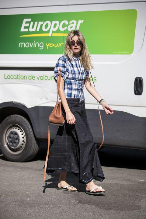 Street Style : Paris Fashion Week Womenswear Spring/Summer 2019 : Day Two