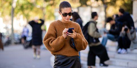 Street fashion, Photograph, Eyewear, People, Fashion, Sunglasses, Snapshot, Glasses, Hairstyle, Street,