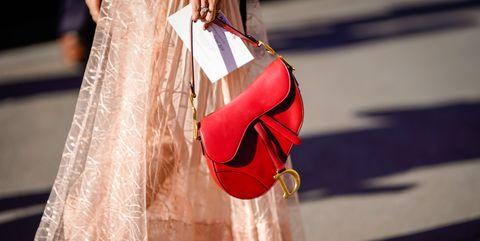 936ff19d9eb Mocht je gaan investeren in een designer tas, laat het dan één van ...
