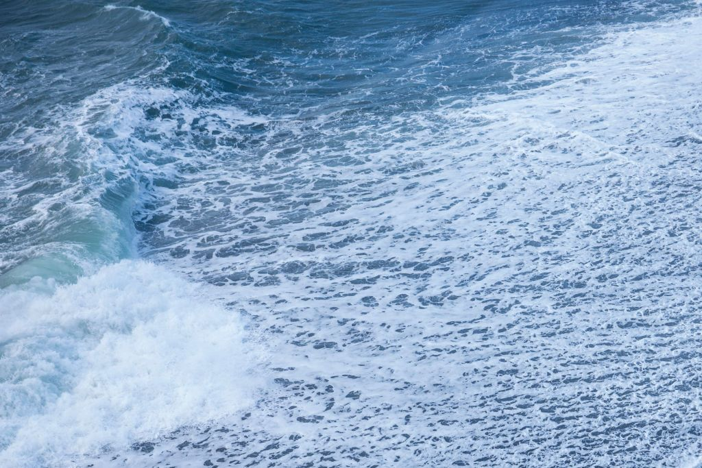 Ditching Platinum for the Ocean Could Make Hydrogen Cheap