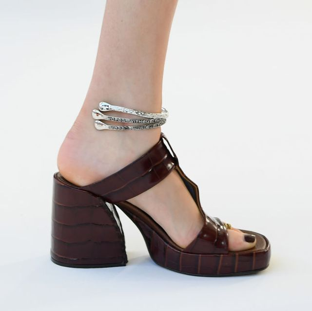 Footwear, High heels, Shoe, Sandal, Ankle, Brown, Mary jane, Leg, Joint, Beige,