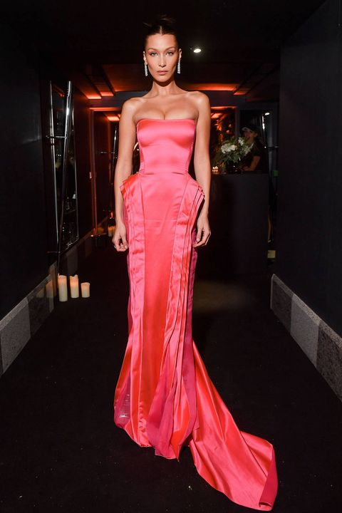 Bella Hadid Channels Marilyn Monroes Diamonds Are A Girls Best Friend Pink Gown At -5918