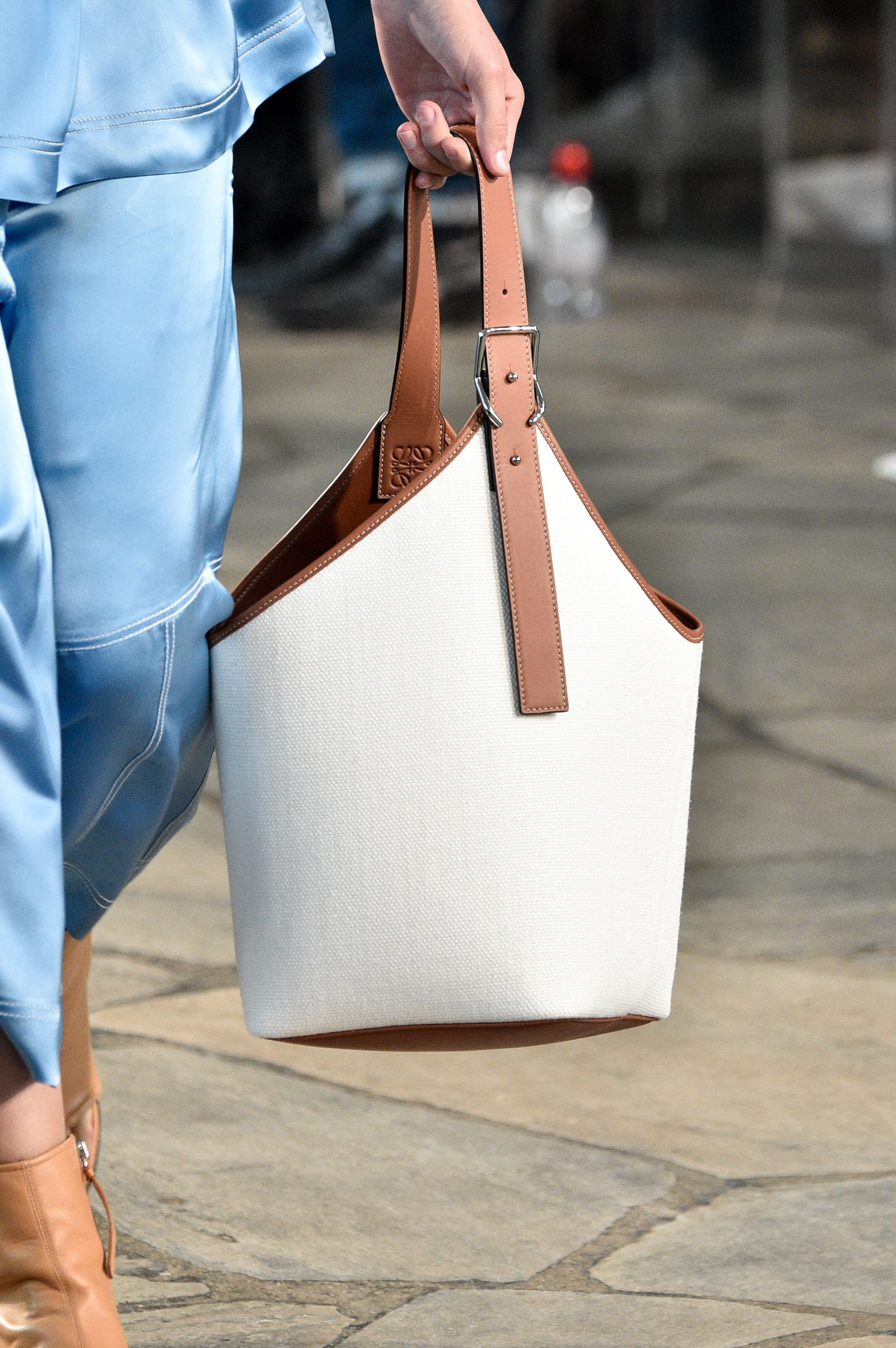 Best Spring 2019 Bags On The Runway - Spring 2019 Bag Trends e75761d589