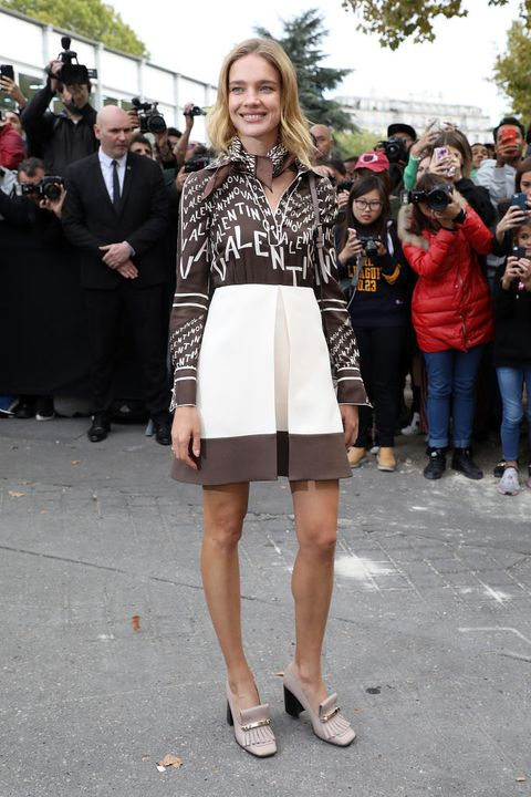 Clothing, Fashion, Street fashion, Fashion model, Dress, Footwear, Shoulder, Fashion show, Event, Leg,