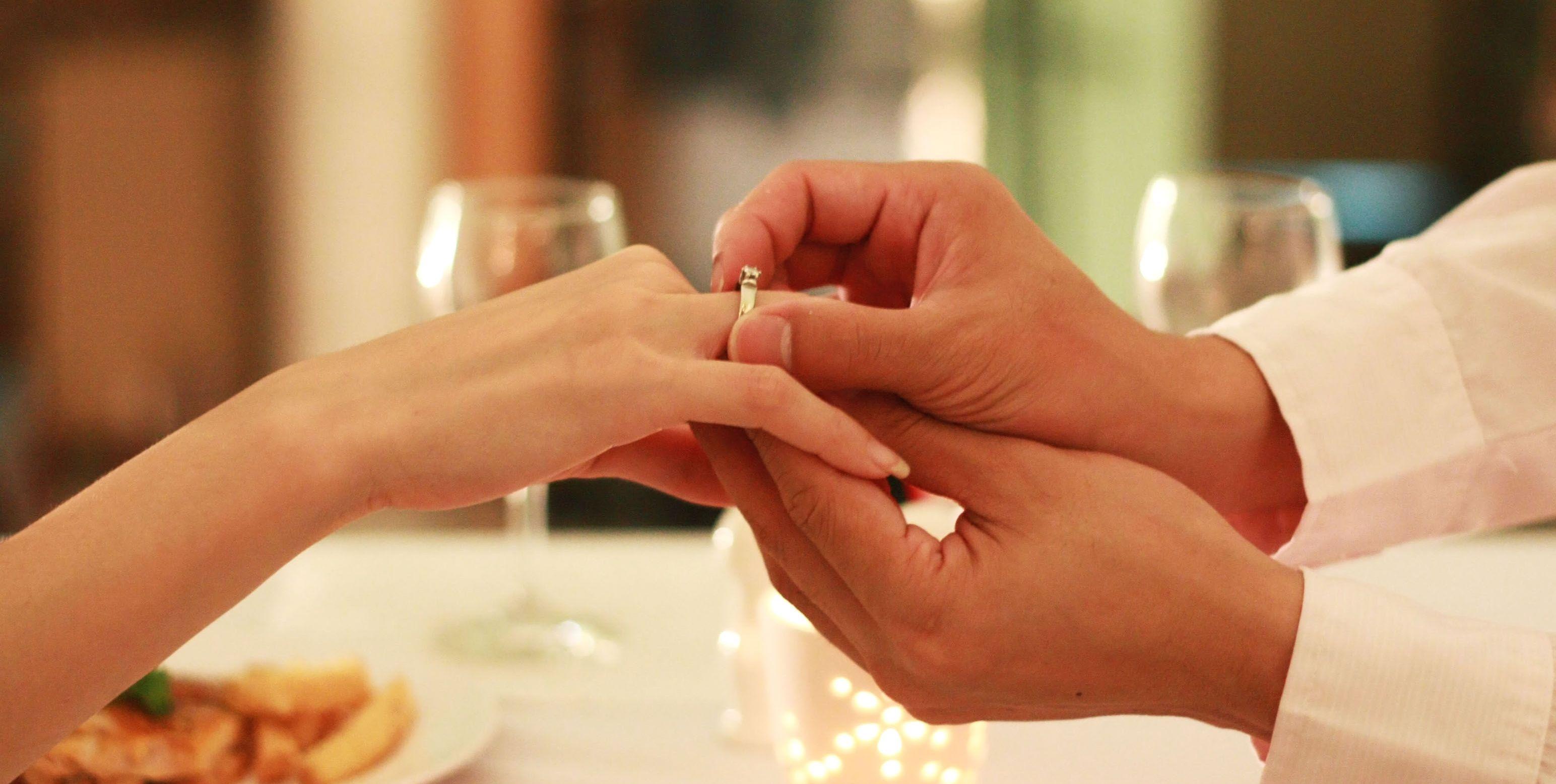 laura-ponticorvo-ten-huwelijk-gevraagd