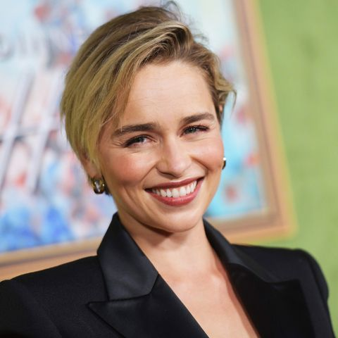 Hair, Hairstyle, Eyebrow, Chin, Blond, Smile, Forehead, White-collar worker, Official, Businessperson,