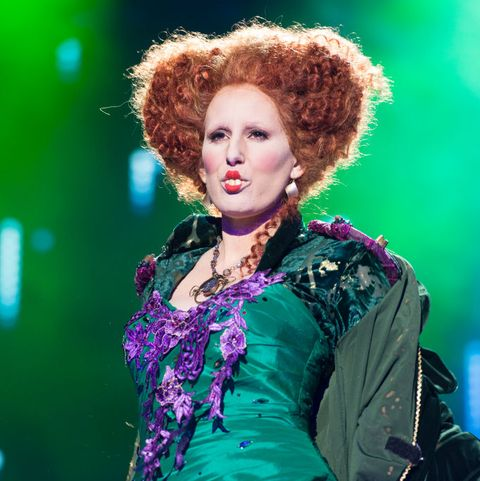 Hair, Green, Hairstyle, Fashion, Fashion design, Beauty, Performance, Purple, Fashion model, Event,