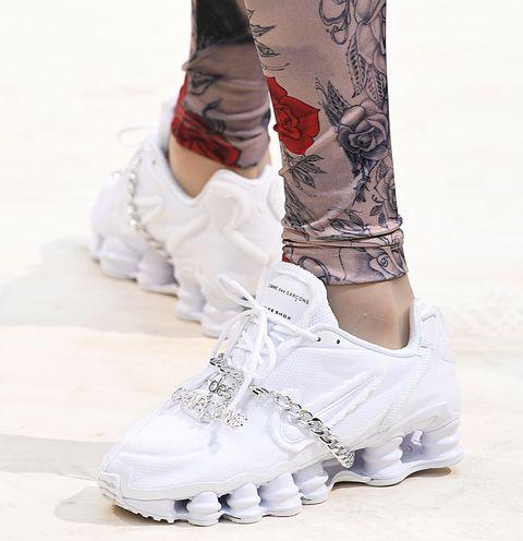 White, Footwear, Leg, Fashion, Human leg, Shoe, Leggings, Joint, Ankle, Trousers,
