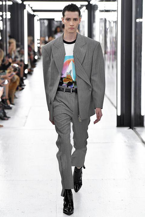 Fashion, Clothing, Fashion model, Runway, Fashion show, Street fashion, Suit, Blazer, Outerwear, Human,