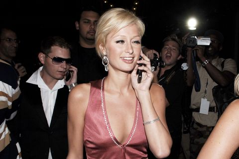 paris-hilton-bedazzeled-phones-early-2000s