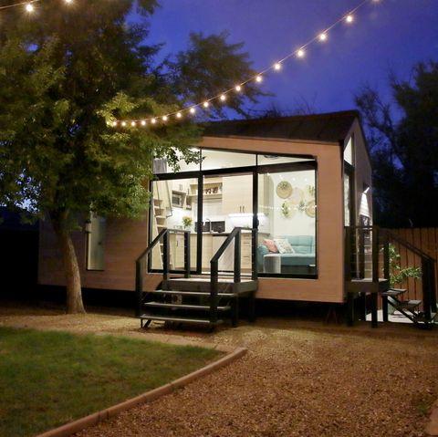 rent the backyard studio