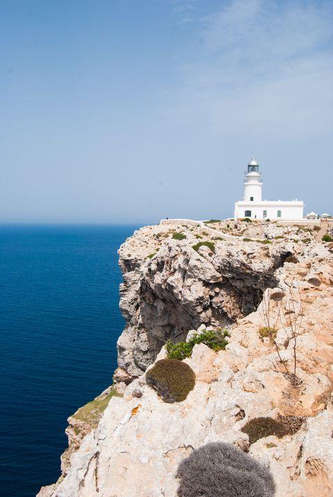 Promontory, Sea, Cliff, Klippe, Lighthouse, Coast, Tower, Cape, Rock, Coastal and oceanic landforms,