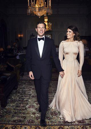 Princess Eugenie S Wedding Dress Photos