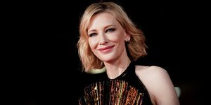 Cate Blanchett goes from blonde to brunette