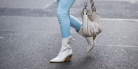 Plaid, Clothing, Street fashion, Photograph, White, Tartan, Fashion, Snapshot, Pattern, Footwear,