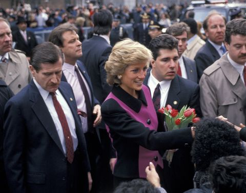 princess diana during henry street settlement tour   february 2, 1989 at henry street settlement in new york city, new york, united states photo by ron galellaron galella collection via getty images