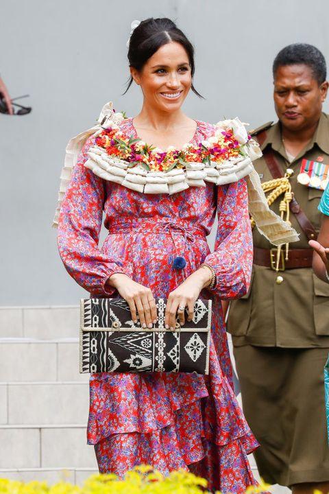 Fashion, Tradition, Textile, Event, Temple, Costume, Performance, Fashion design,