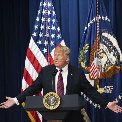 Flag of the united states, Flag, Speech, Event, Official, Spokesperson, Flag Day (USA), Award, Award ceremony, Speaker,