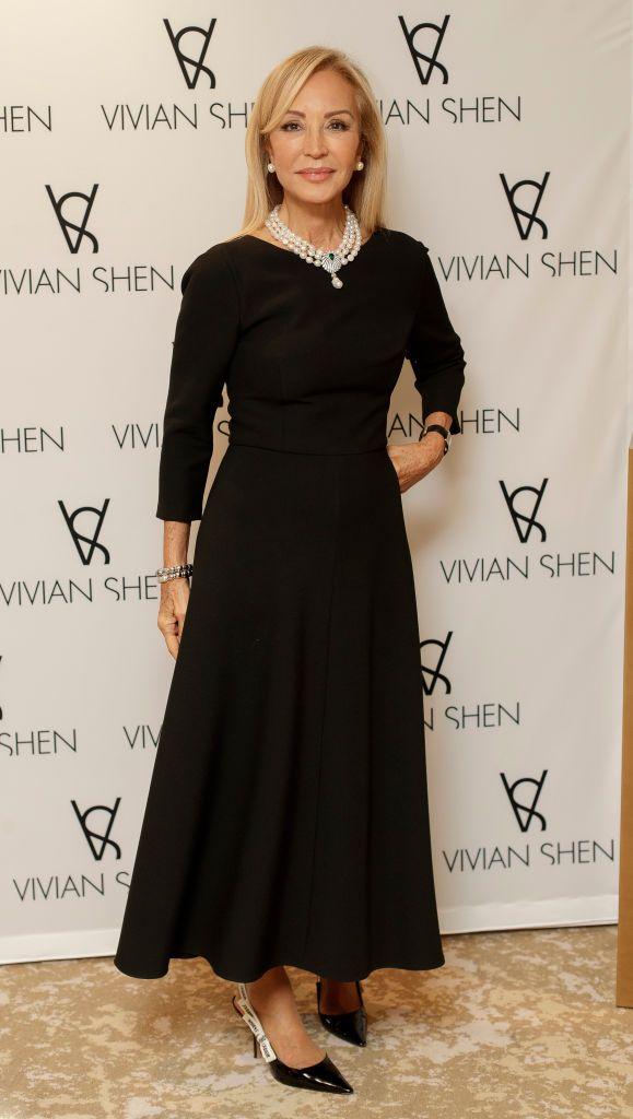 Carmen Lomana, Vivian Shen