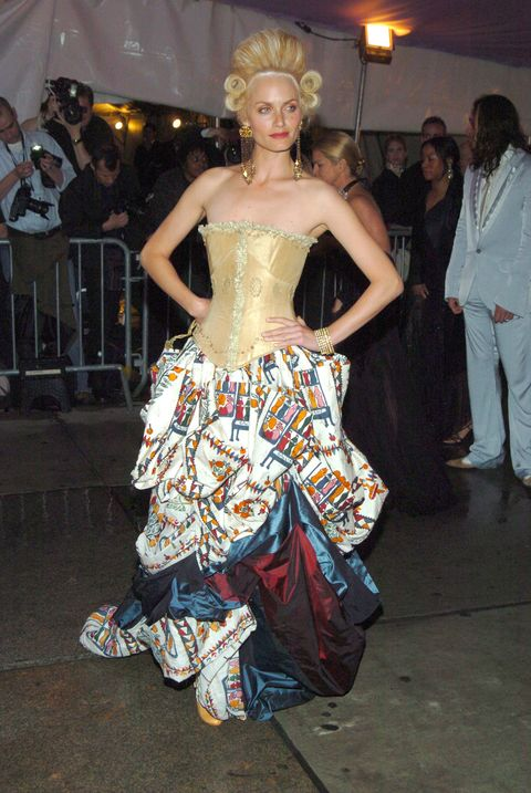 "2004 Costume Institute Gala ""Dangerous Liaisons"" - Arrivals"