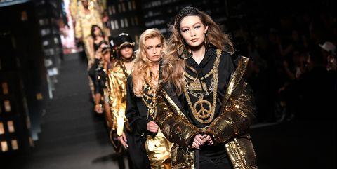 Fashion, Yellow, Event, Performance, Night, Photography, Fashion design, Street fashion, Dress, City,