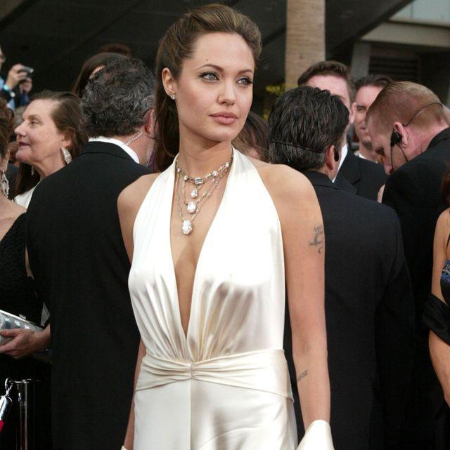 angelina jolie con vestido blanco