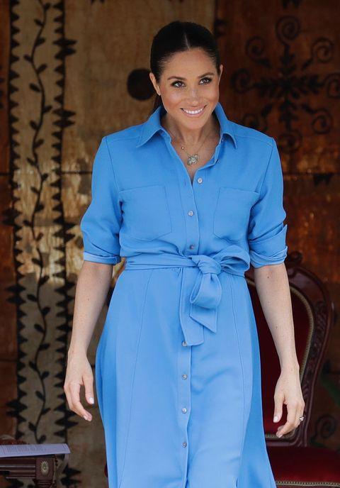 Clothing, Blue, Cobalt blue, Electric blue, Fashion, Fashion model, Formal wear, Fashion design, Dress, Sleeve,