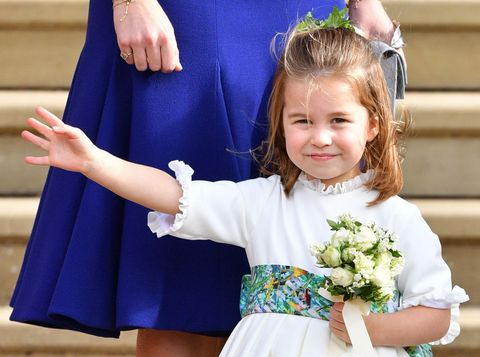 Child, Blue, Bouquet, Tradition, Ceremony, Arm, Smile, Flower, Hand, Event,